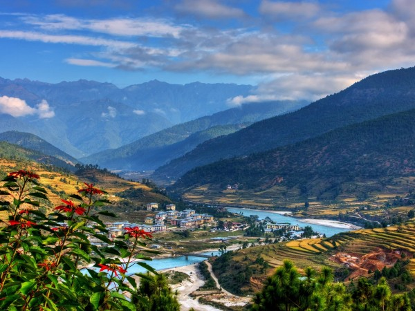 Bhutan Tour for 7 days| One of the leading travel agency in nepal| Tour for the land of Dragon.